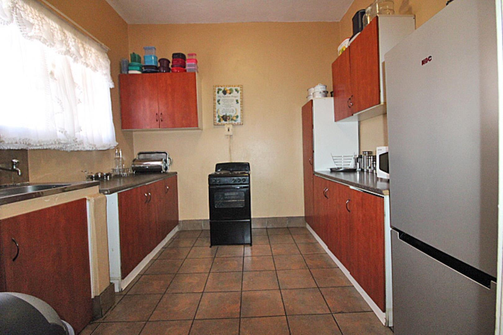 2 Bedroom Apartment for Sale in Peacehaven, Vereeniging - Gauteng