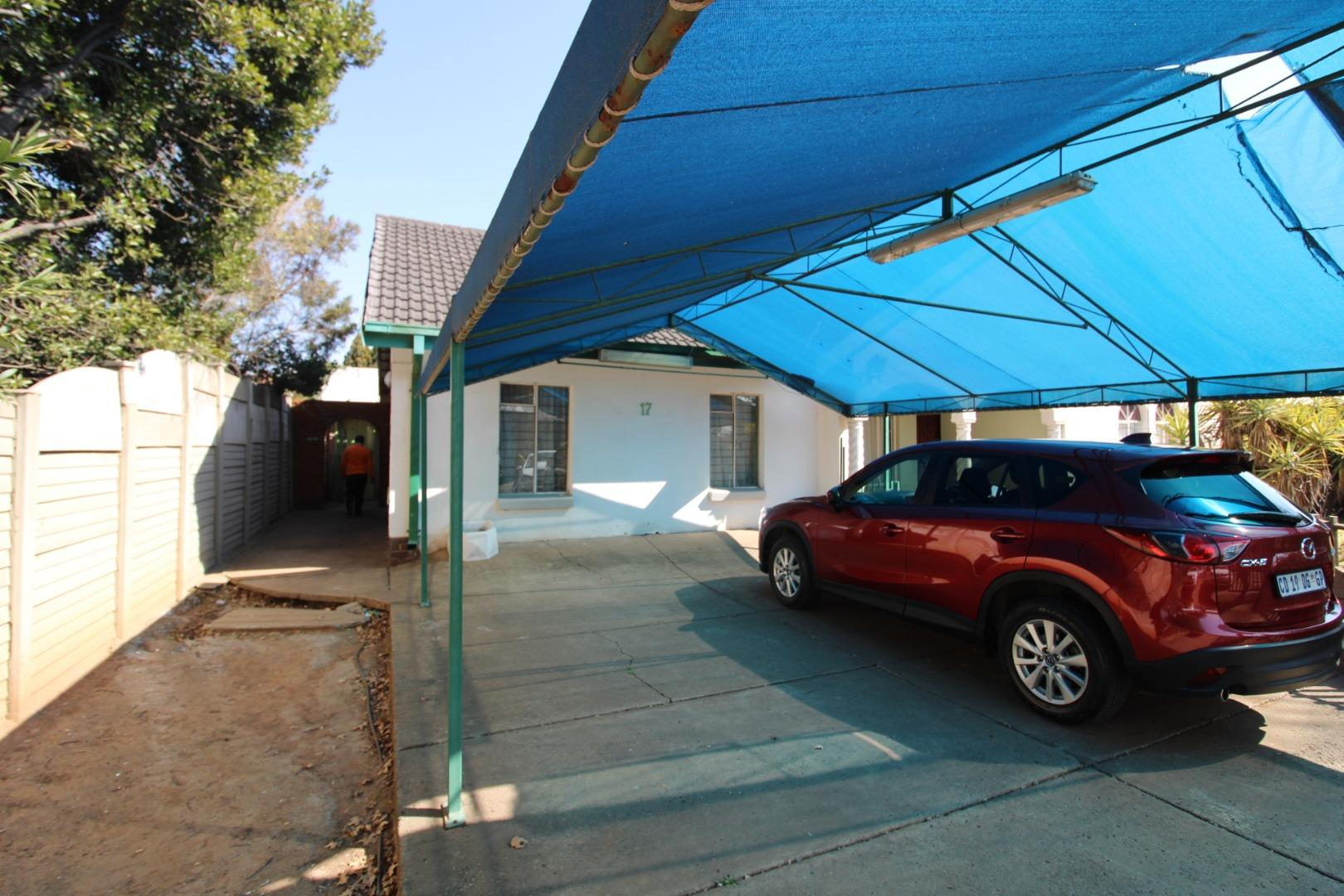 17 Bedroom Student Accommodation for Sale in Vanderbijlpark SE 7, Vanderbijlpark - Gauteng