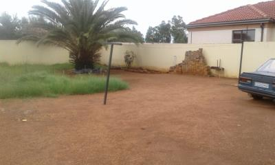 2 Bedroom House for Sale in Naturena, Johannesburg - Gauteng