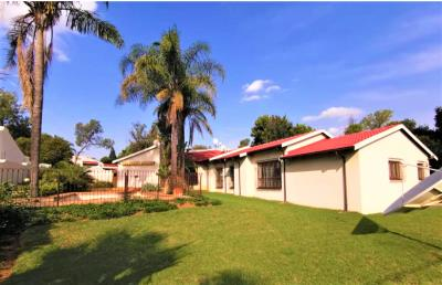 4 Bedroom House for Sale in Gallo Manor, Sandton - Gauteng