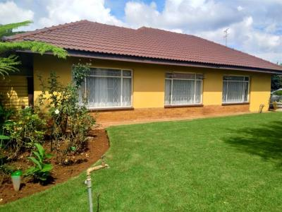 4 Bedroom House for Sale in Arcon Park, Vereeniging - Gauteng