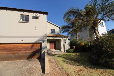 3 Bedroom House for Sale in Pinehaven, Krugersdorp - Gauteng