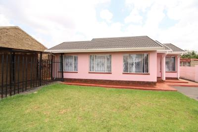 3 Bedroom House for Sale in Sebokeng Zone 17, Sebokeng - Gauteng