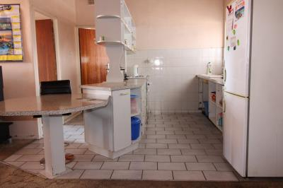 1 Bedroom Apartment for Sale in Vereeniging Central, Vereeniging - Gauteng