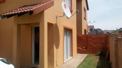 2 Bedroom Apartment for Sale in Bergsig, Heidelberg - Gauteng