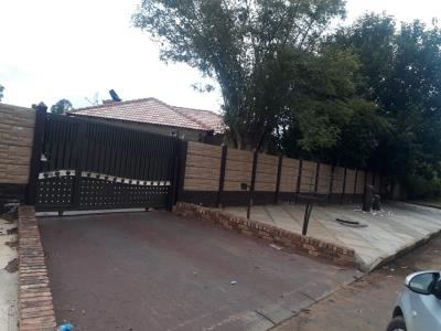 3 Bedroom House for Sale in Meyerton Park, Meyerton - Gauteng